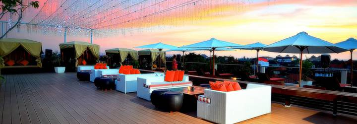 Rooftop Dine & Music Lounge The ONE Legian Hotel
